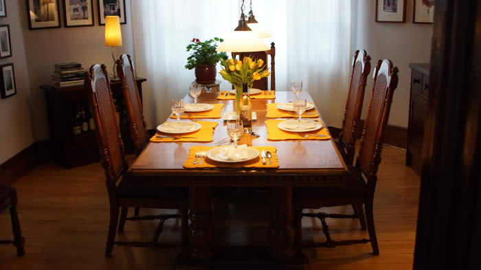 TansyHus Dining Room Table
